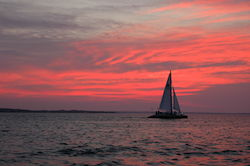 Red_Sunset_Sailboat